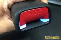 画像2: C-HR専用シートベルトバックルイルミネーション